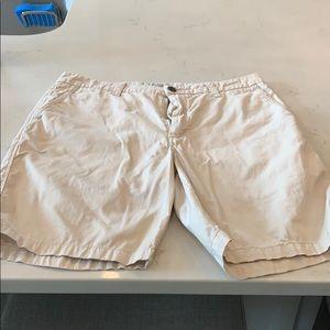 Men's khaki shorts size 31